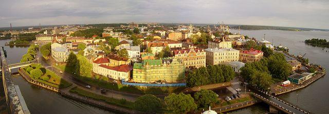 Vyborg desde el torre St Olaf. Foto de Wikimedia de Anatoly Terentiev 2006