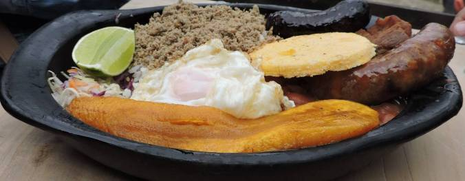 Tutucan almuerzo montañero_(1600_x_1200)